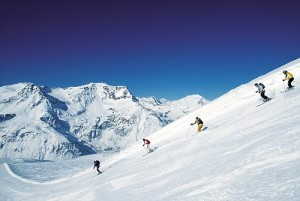Going Skiing This Year? How to know your skiing ability!, Skiing Level 3 300x201%, uncategorised%