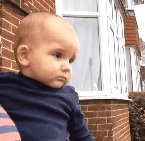 Baby Slaps Mum at the Shock of a Snow Flake!, Screen Shot 2015 01 24 at 12.58.00%, new-dad%
