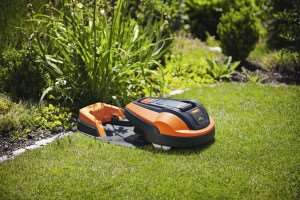 Fathers Day Gift Ideas, Robotic Mower 1200R 3 300x200%, new-dad%