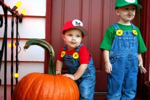 Cheap Halloween Costume Ideas For Your Kids, Mario Bros 300x200%, uncategorised%