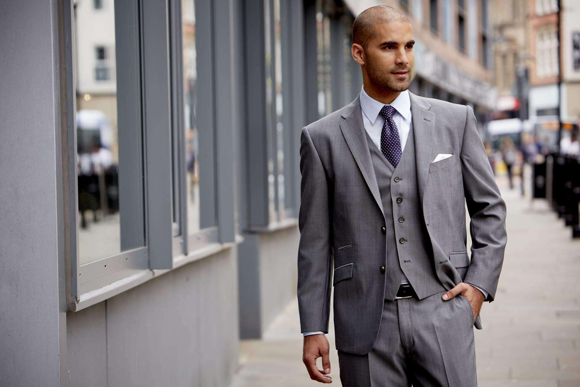 How to Look Sharp on the Train as a Working Dad PLUS Win an iPad with House of Fraser, Palmer Blue352%, lifestyle%