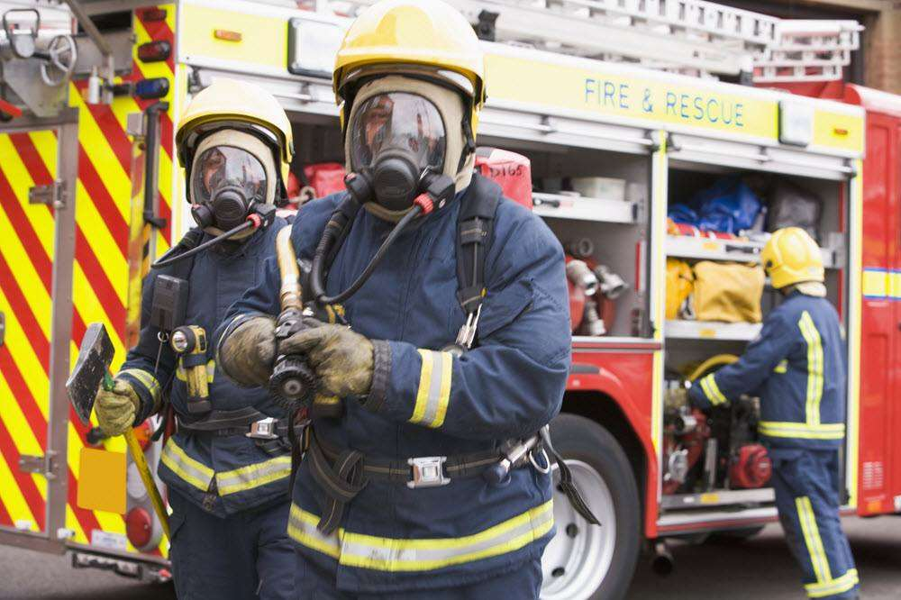 5 Essential Tips To Keep Your Family Safe From Fires, firebrigade%, new-dad%