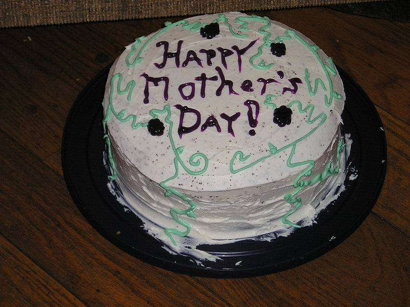 Mother's Day dos and don'ts for dads, 800px Mothers Day Cake%, uncategorised, new-dad, community%