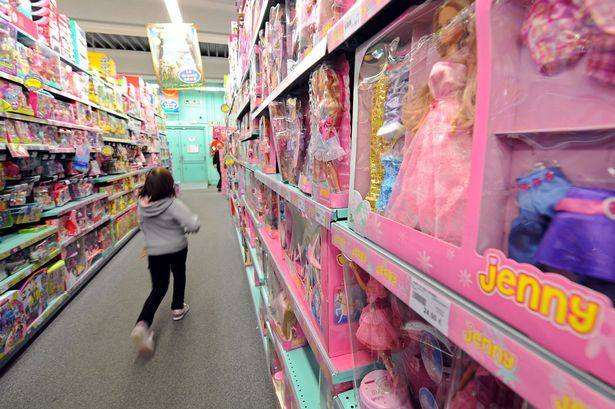 Does pink stink? Finding other colourful clothes for a daughter, A girl walks past toys%, new-dad, community%