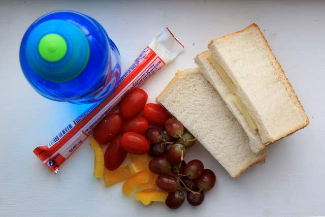 Call for 'sugar free' schools and nutritional guidelines for packed lunches, 2.32665342%, daily-dad, health, 6-9, 4-5%