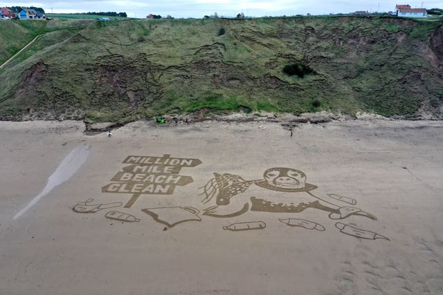 Public urged to take up 'million mile beach clean' challenge as lockdowns ease, 2.59044876%, daily-dad, lifestyle, 14-17, 10-13%