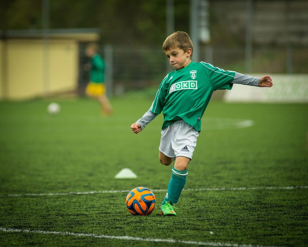 The Return of Grassroots Sport is Important for Kids and Dads Alike, child 613199 1280%, daily-dad, community%