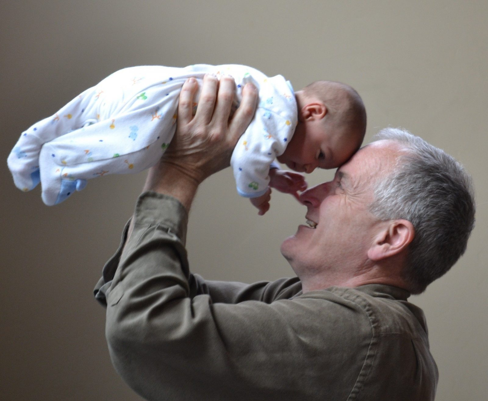 How to emotionally prepare for parenthood?, grandfather 1434575 1920 1600x1316%, daily-dad, expecting, 0-1%