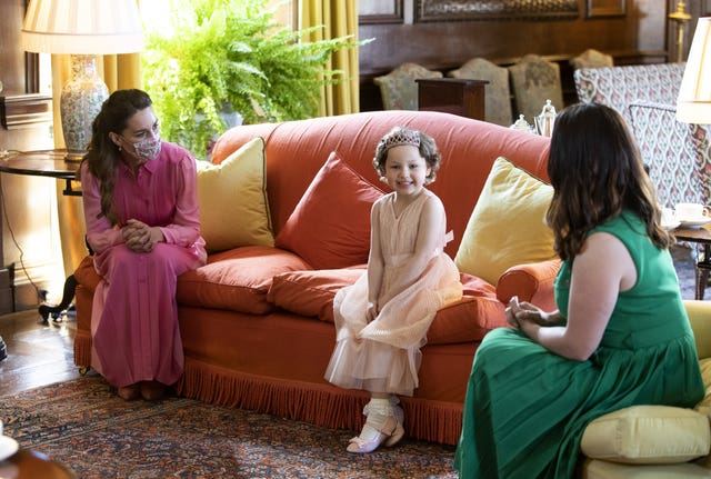 Kate wears pink for little girl who wanted to meet a princess