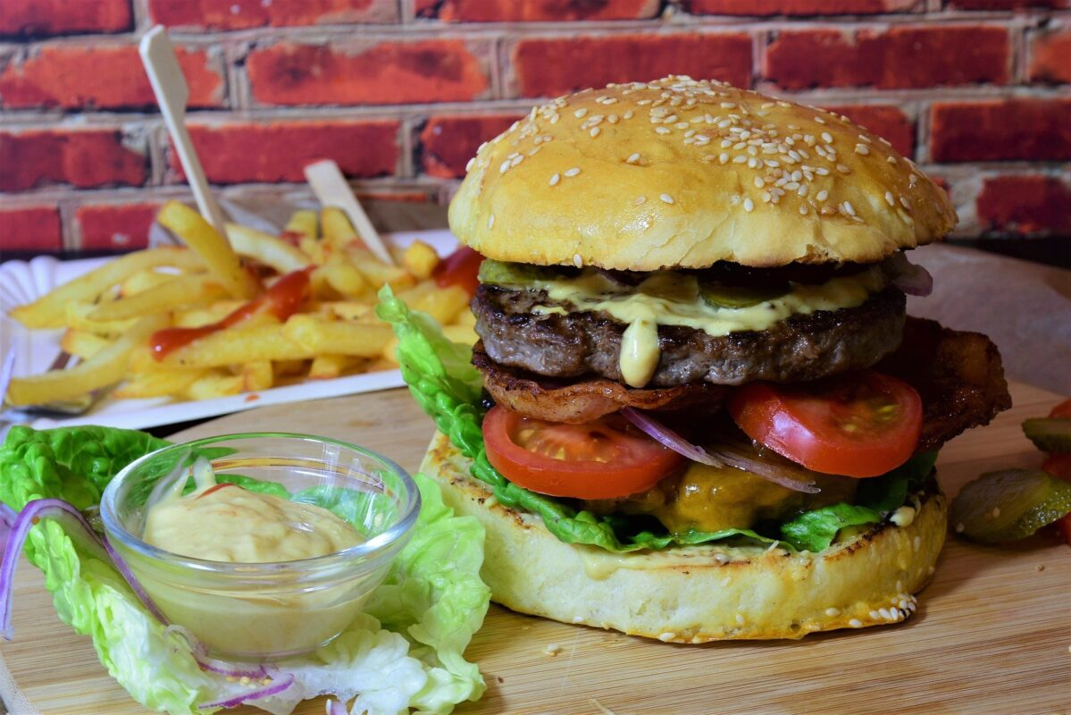 Burgers that every Kid will love! And a vegan one for the teenager in the corner..., burger 3962996 1920%, daily-dad, lifestyle, health%