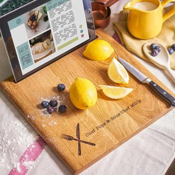 20 presents your Dad wants for Father's Day!, normal personalised solid oak chopping board and ipad stand%, daily-dad, lifestyle, featured%