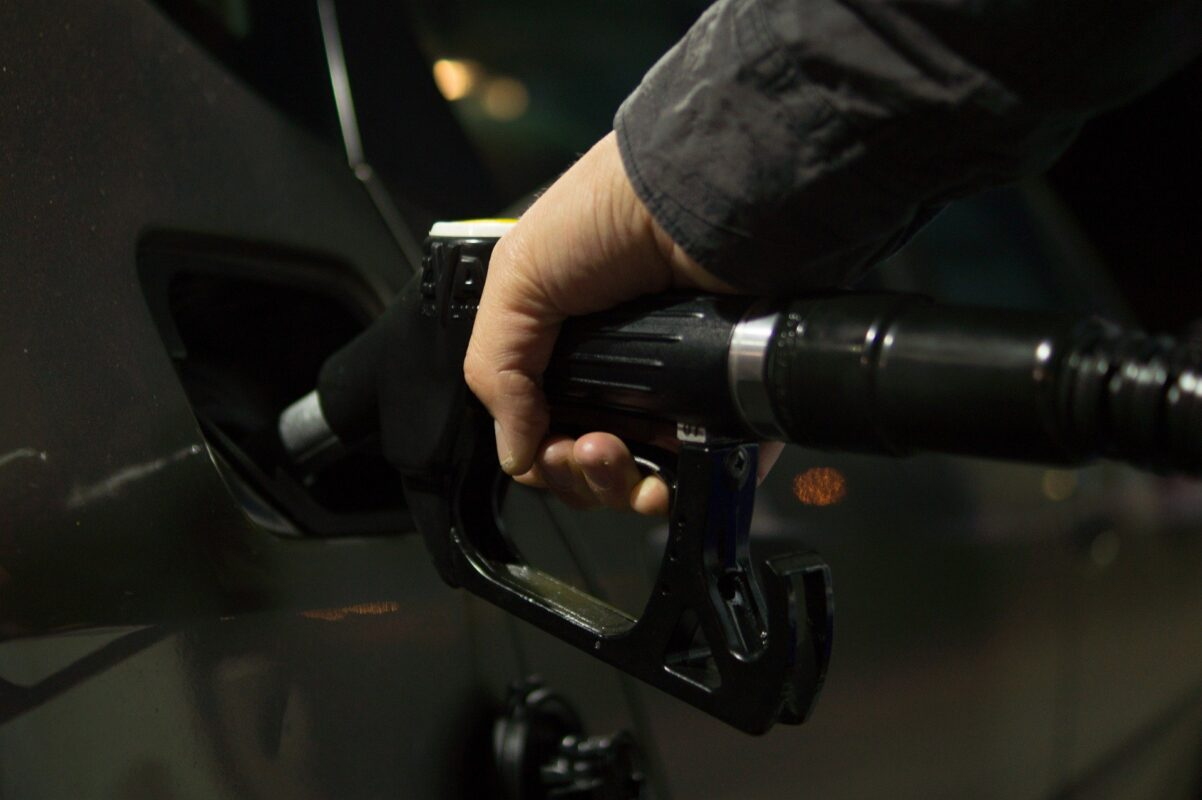Luke Davies, petrol 996617 1920%, %