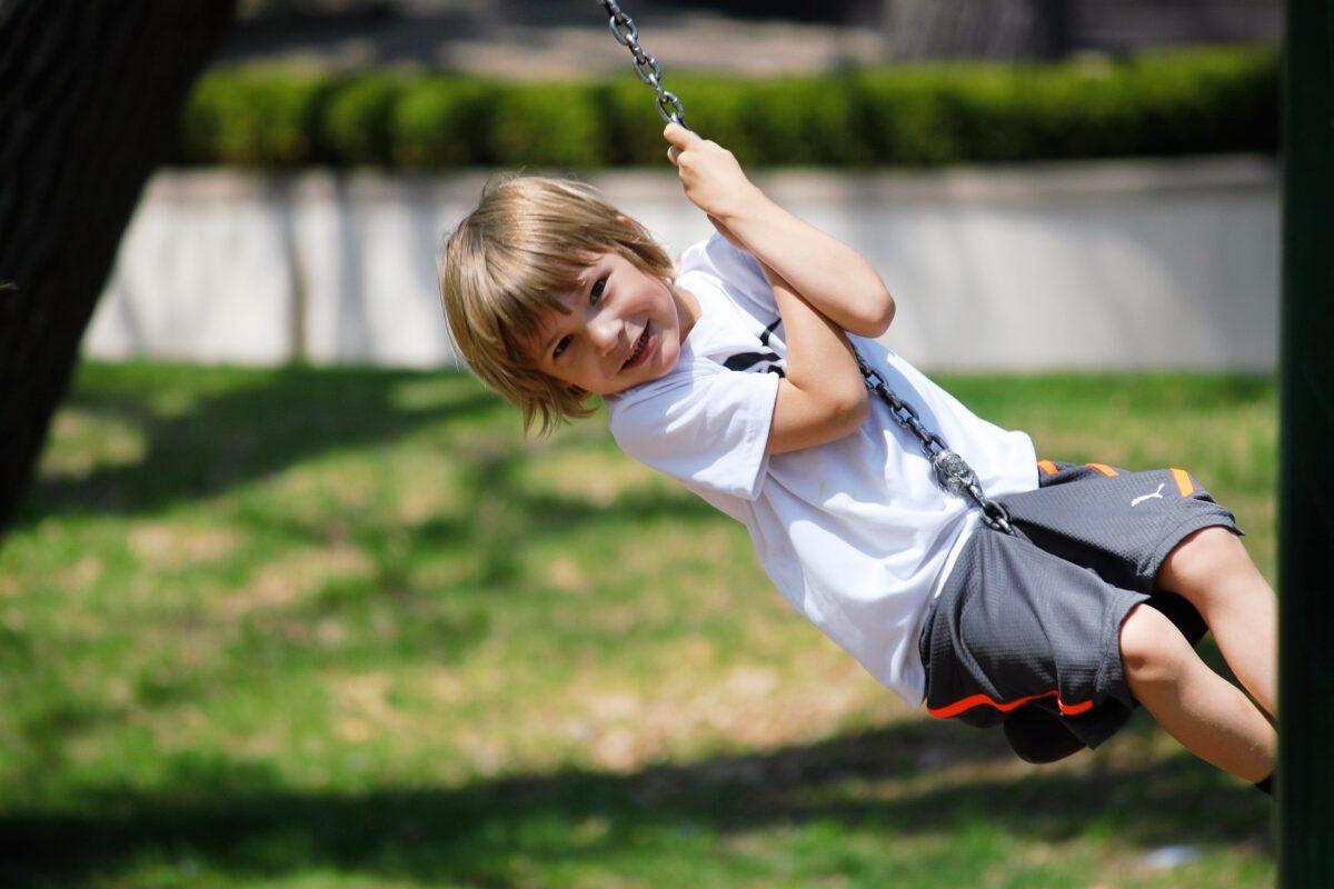 Summer-born children unfairly labelled as having educational needs, swing 2180703 1920%, education, 4-5%