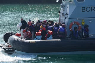 Children arrive in Dover as English Channel crossings resume